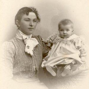 Sorg Mama og Randi 1903